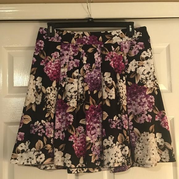 White House Black Market Dresses & Skirts - Floral mini skirt by WHBM